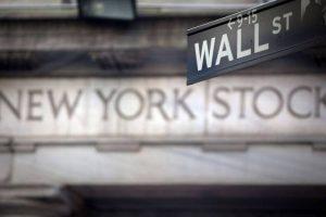 Wall Street finit en baisse sur fond de prudence avant les résultats