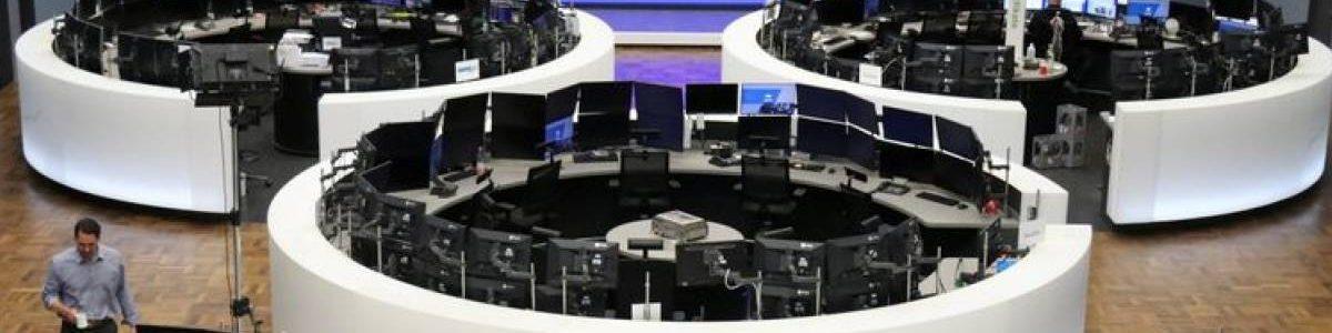 L'Europe finit en baisse, l'aversion au risque se poursuit